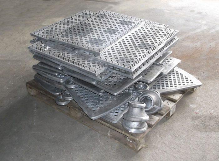 Decking plates & collars
