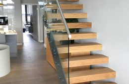 Straight and Cantilevered staircase